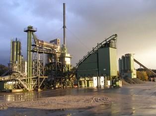 Asphaltmischanlage im Werk Oberland Rolf Strohmaier GmbH für individuelle Anforderungsprofile